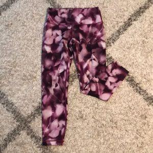 Lululemon 7/8 yoga pants, sz 6, pink/purple